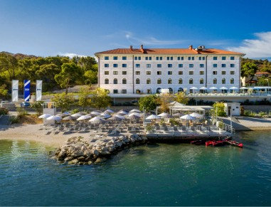 Brown hotels collection of boutique hotels in trogir for Boutique hotel intermezzo 4 pag croatie