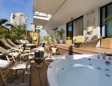 Brown Beach House Tel Aviv