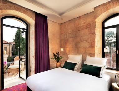 Villa Brown Deluxe Room