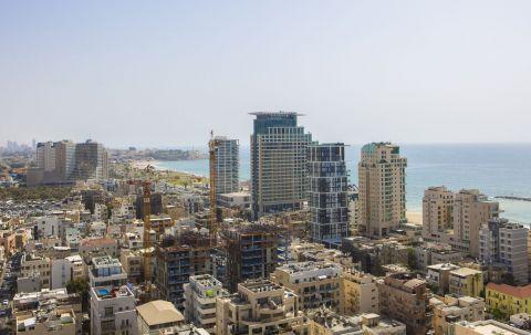 - חדר קלאסיק עם נוף לים במלון לייטהאוס תל אביב מבית מלונות בראון